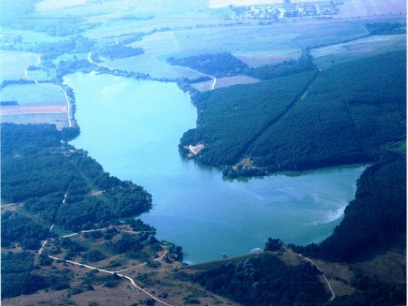 széki-tó a horgász paradicsom
